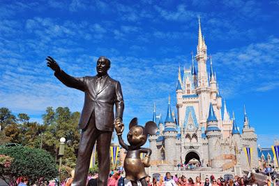walt disney world statue castle